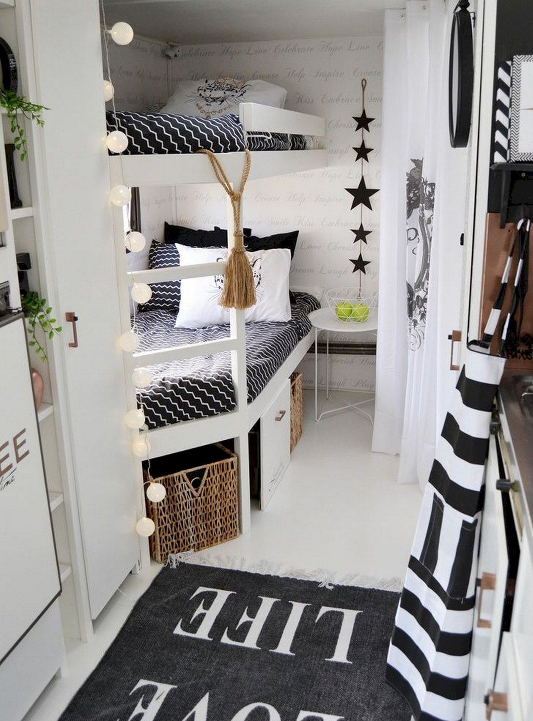 Decorate your RV bedroom with rugs